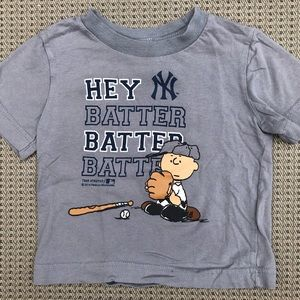Charlie Brown Yankees t-shirt